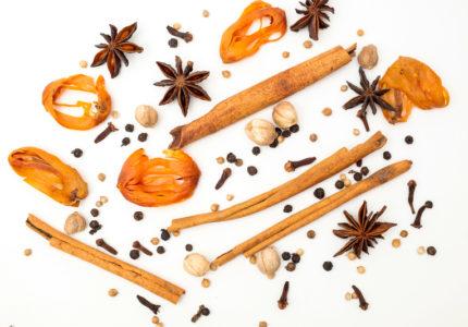 Best cardamom, Clove, Piper nigrum, Black Pepper, Mace, Cinnamon, Chinese star anise, Coriander seed, Ginger, Various Herbs for Health Care.